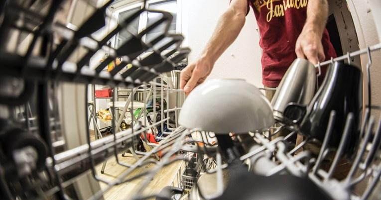 Ова се шест грешки кои луѓето најчесто ги прават кога ставаат садови во машина за миење садови