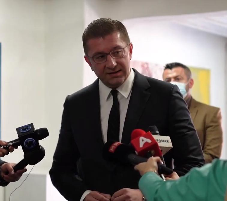Мицкоски за немањето на вакцини против КОВИД:Незнам зошто Филипче му треба да му слугува на Заев, најнеспособноиот министер во историјата