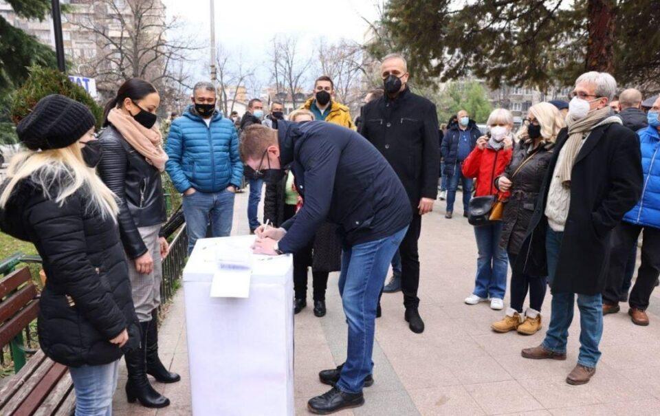 Над 25.000 граѓани за три часа му кажаа НЕ на Заев за фалсификат попис