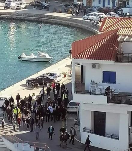Грците бесни: Тие во карантин, Мицотакис на ручек со повеќе од 20 луѓе