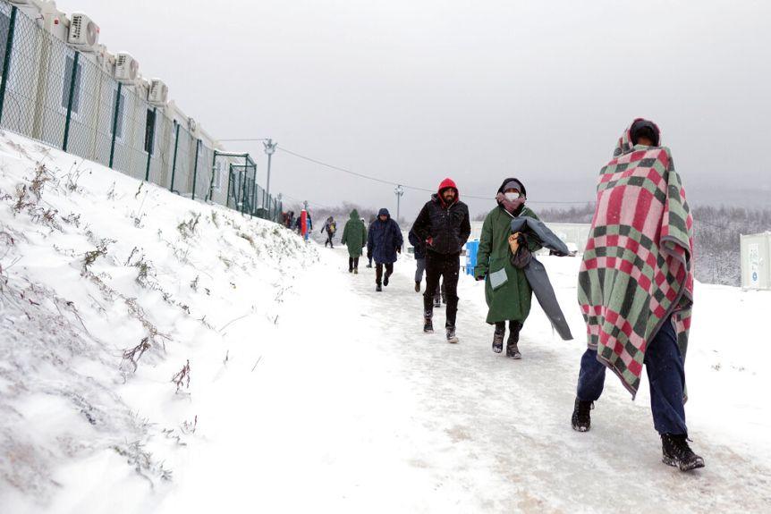 """Австрија тврди дека расте притисокот врз балканската рута: 100.000 мигранти се обидуваат да дојдат до """"златниот запад"""""""
