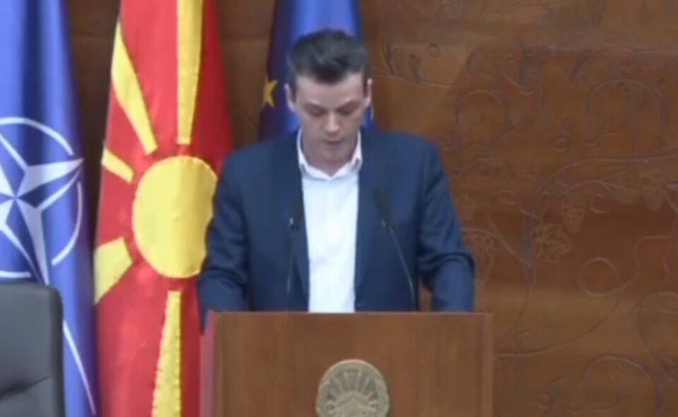 Професорот Минов до Царовска: Министерке, послушајте ги паметните луѓе во Македонија и во Европа, оставете историјата да биде самостоен предмет