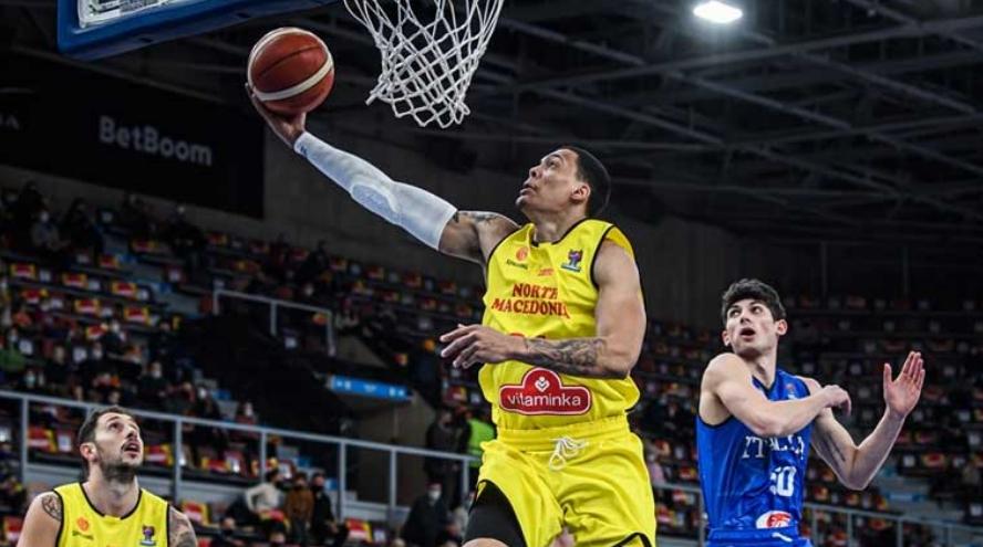 Македонските кошаркари ја совладаа Италија и ги задржаа шансите за пласман на ЕП