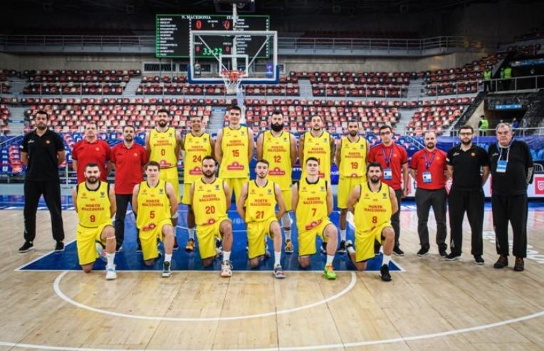Ненад Димитријевиќ во составот за дуелот со Естонија