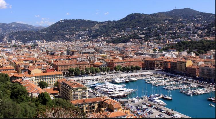 Градоначалникот на Ница повика за делумно затворање во регионот поради Ковид-19