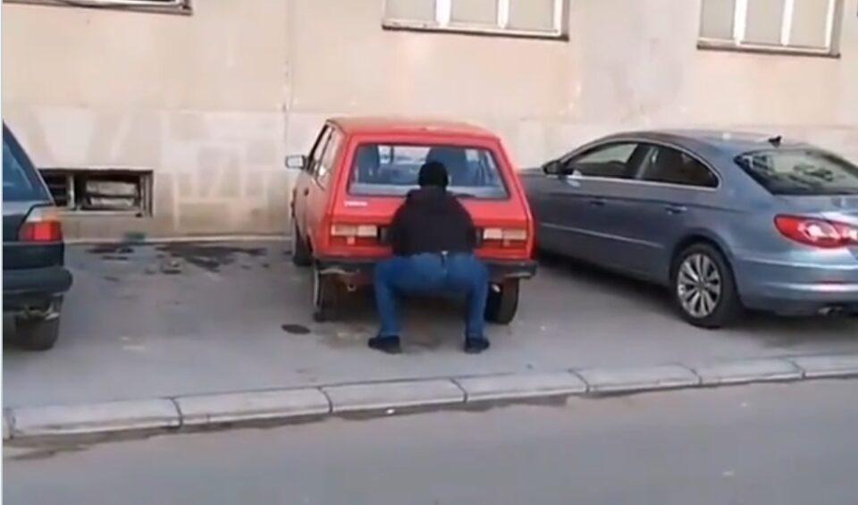 """Ова урнебесно """"паркирање"""" стана хит на социјалните мрежи (ВИДЕО)"""