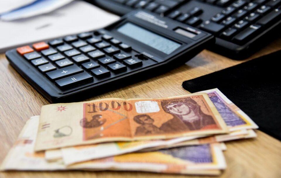 Добра вест за работниците: Домашните компании годинава може да исплатат двојно повисок К-15