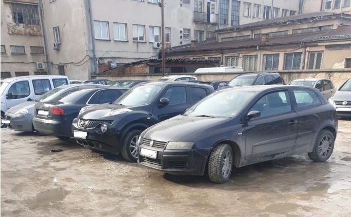"""ФОТО: Прилеп доби """"европски паркинг""""!"""