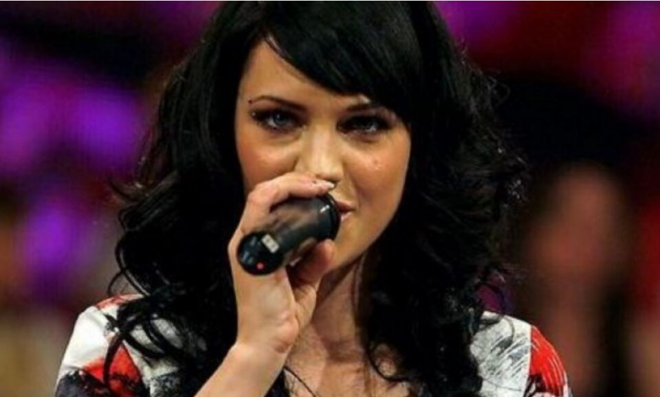 Пејачката по 14 години проговори за интимната снимка која ја уништи нејзината кариерата (ФОТО)