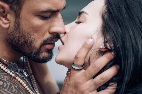 5 работи што ќе го натераат мажот да се заљуби во вас и да посака заедно да остарите!