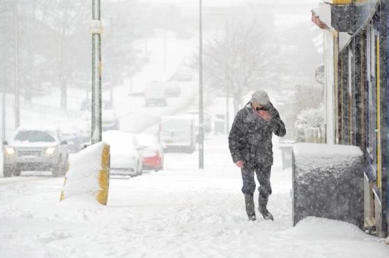 """Британија најавува ледена снежна бура """"Дарси"""""""