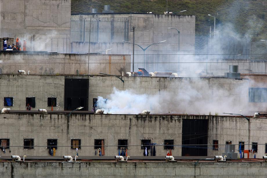 Немири во три затвори во Еквадор, загинаа повеќе од 70 затвореници