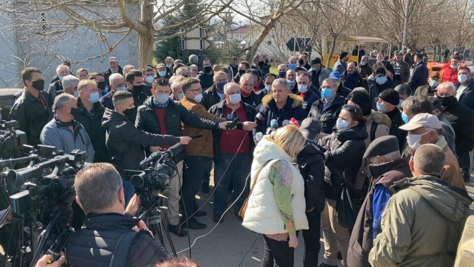 Оризопроизводителите излегоа на протест: Владата нема слух за нас, не сме опфатени ниту со една од петте ковид-мерки