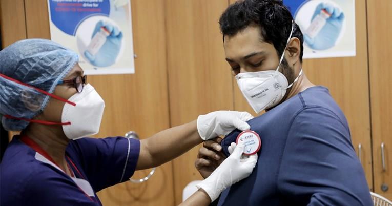 Израел е шампион според бројот на вакцинирани, воведуваат ковид-беџеви