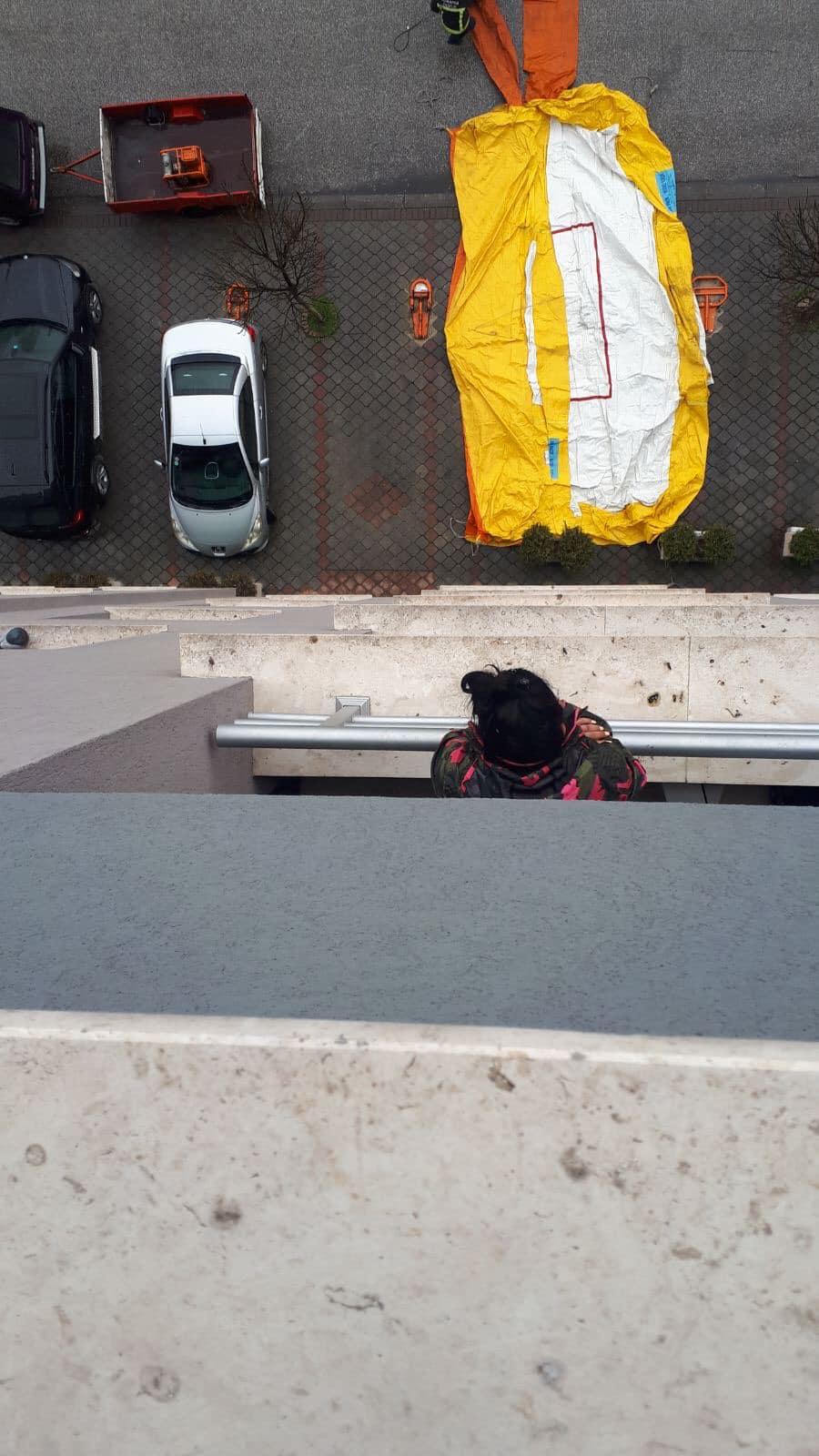Нови детали за обидот за самоубиство од зграда во Скопје
