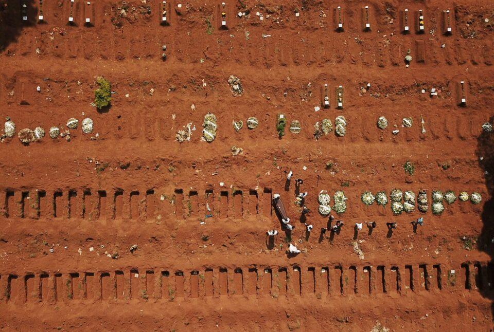 Црни прогнози за Бразил, експерти очекуваат половина милион смртни случаи од Ковид-19 до јул