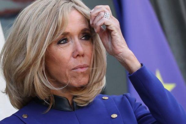 ФОТО: Првата дама на Франција импресионира, капут кој ќе го посака секоја жена