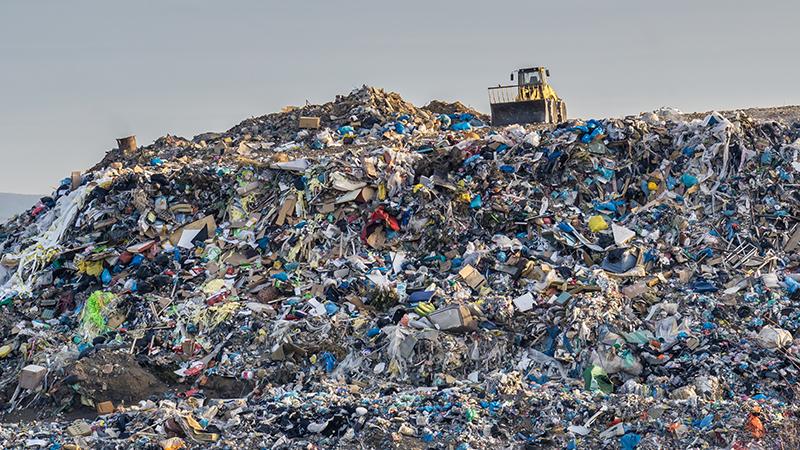 Просечен Европеец годишно фрла 11 килограми облека, најголем дел завршува на депонии