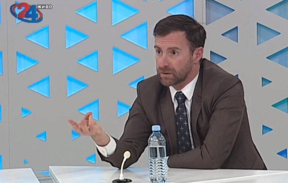Димовски: Оваа Влада е политички и кадровски истрошена, со многу министри полни со скандали кои не пласираат проекти и истата не може да го истера целиот мандат