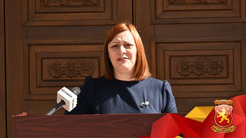 Димитриеска Кочоска: Владата не однесе во банкрот, секое четиричлено семејство за само една година е задолжено за 2.400 евра плус камати