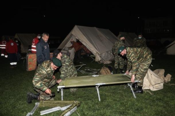 ПО ЗЕМЈОТРЕСОТ ВО ГРЦИЈА: Дел од жителите ноќта ја минаа во хотели или шатори