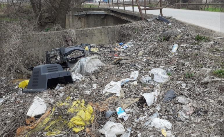 Митески: Еколошка бомба му се заканува на Горно Лисиче и потребна е итна реакција