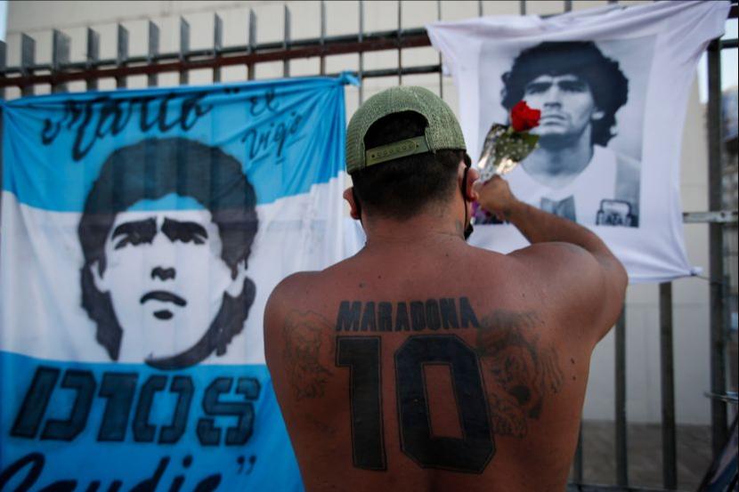 """""""Не умре, го убија"""": Аргентинците излегоа на улица поради Марадона, ја бараат вистината за неговата смрт (ФОТО)"""