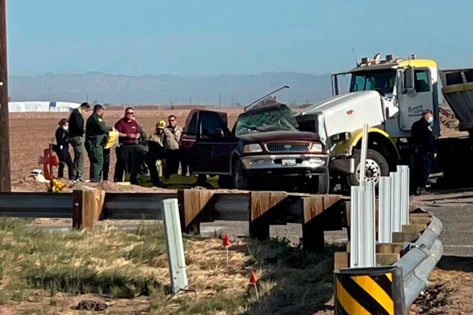 Над 15 загинати: Тешка сообраќајна несреќа на границата меѓу Мексико и САД