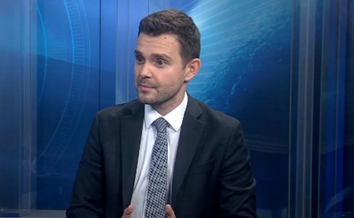 Муцунски: Додека власта се занимава со византиски игри, Македонија се задолжи за нови 700 милиони евра