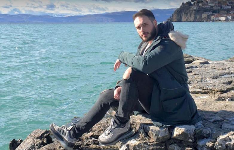 Талентираниот Ристе со емотивна изведба на песната на Тоше Проески (ВИДЕО)