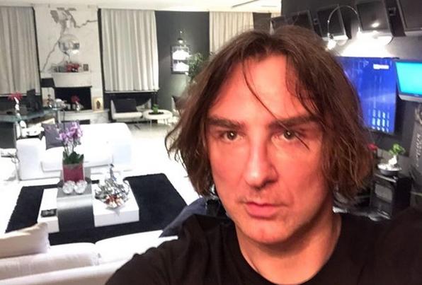 """Директорот на """"Пинк"""" го покажа луксузниот дом – погледнете во каков раскош живее Жељко Митровиќ (ФОТО)"""