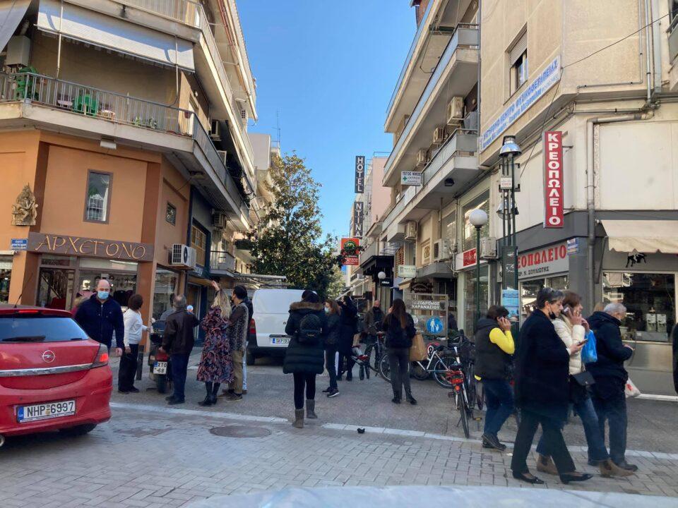 Хаос во соседството, граѓаните на улица: Вака се тресеше денеска Грција (ФОТО+ВИДЕО)