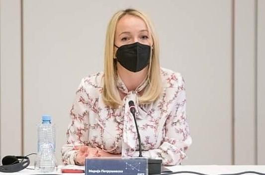 Петрушевска му одговори на Османи: Ширењето на лажни вести зготвени од кујната на вашиот коалиционен партнер не нé водат кон мостови на соработка и датум за отпочнување на преговорите