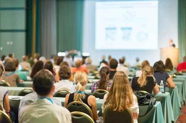 Од утре престанува забраната за одржување семинари, обуки, работилници, курсеви