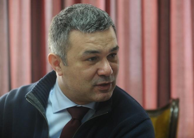 Од коронавирусот почина македонскиот професор и воен историчар Александар Стојчев