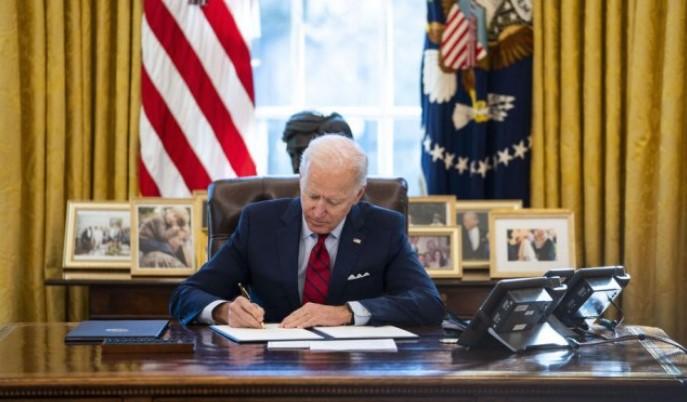 Бајден го потпиша указот за нови санкции против Русија