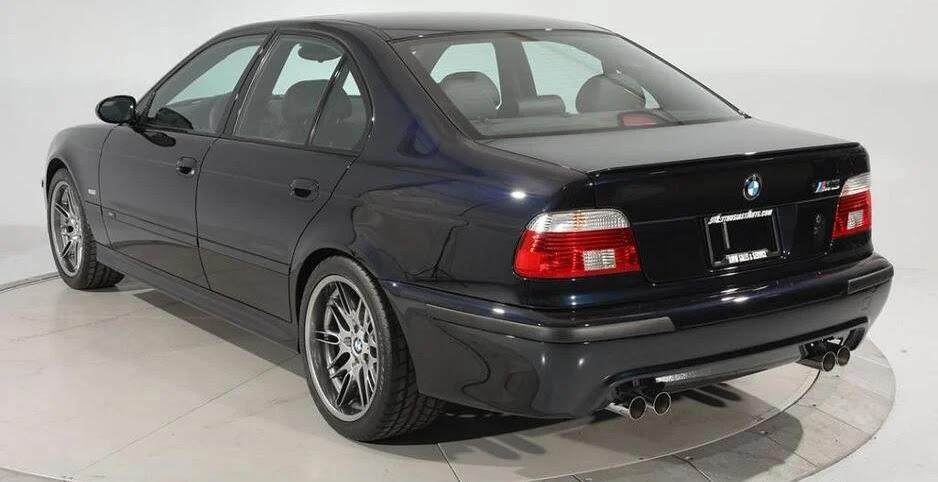 """Стар модел на """"БМВ"""" продаден за 200.000 долари"""