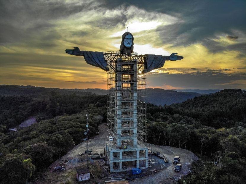 Бразилците градат статуа на Исус, поголема од онаа во Рио: Ќе биде готова до крајот на годината (ФОТО+ВИДЕО)