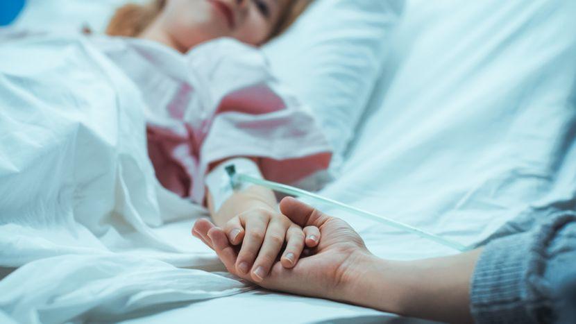 Халуцинации и оштетување на мозокот кај деца со постковиден синдром: Опасни последици од корона