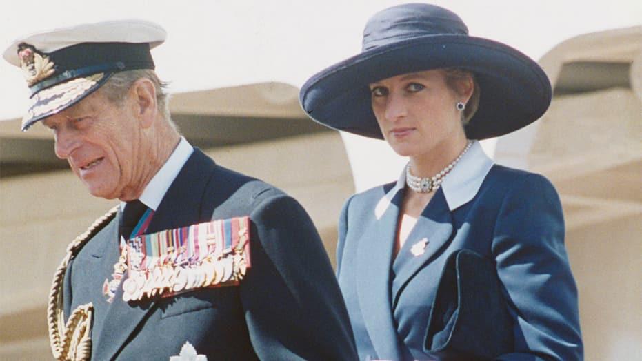 Нивните писма ги прочитаа сите – принцот Филип ги проколна весниците кои го открија неговиот однос со Дијана по разводот од синот