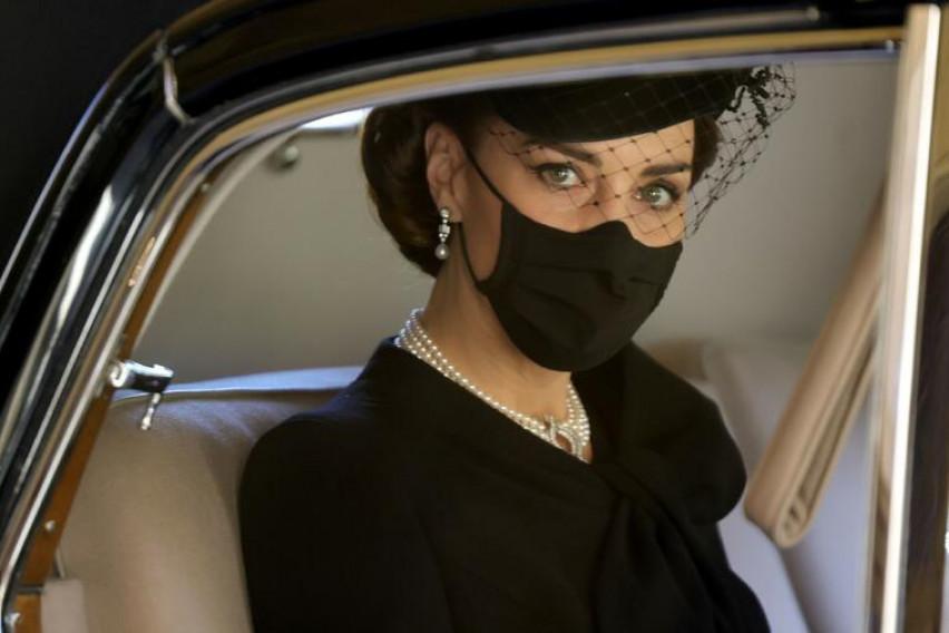 Кејт Мидлтон е новиот столб на кралското семејство, Британија е сигурна во тоа – еве и зошто