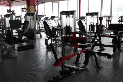 Полицијата влезе во фитнес клуб во Скопје, работел и покрај забраната