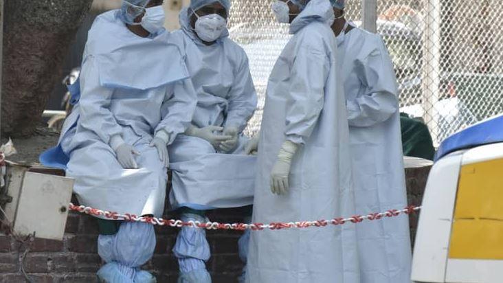 Индија: Над 400.000 новозаболени и рекорден број починати од Ковид-19
