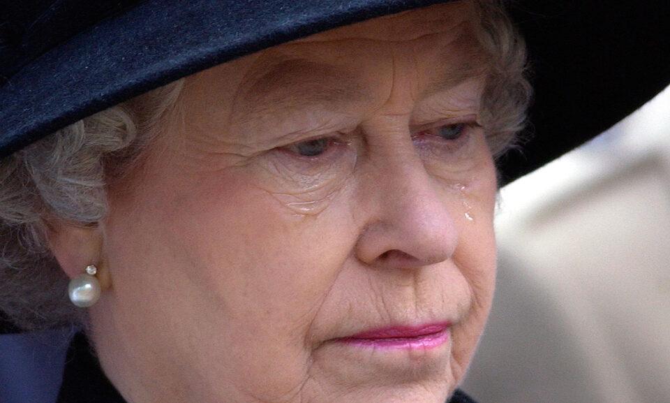 """Водител на утринска програма ја прогласи кралицата Елизабета за почината – социјлните мрежи """"вриштат"""""""