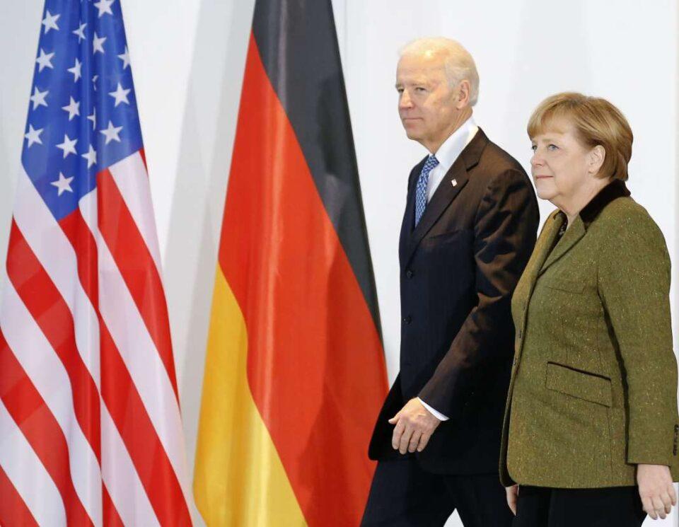 Бајден и Меркел бараат од Русија да го намали военото присуство на украинската граница