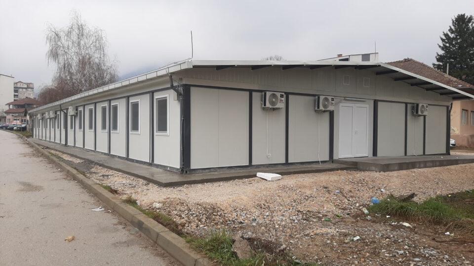 """Пари за модуларната болница во Тетово компанијата """"Брако"""" зема, но истата не се пушта во употреба и надлежните молчат, а граѓаните умираат"""
