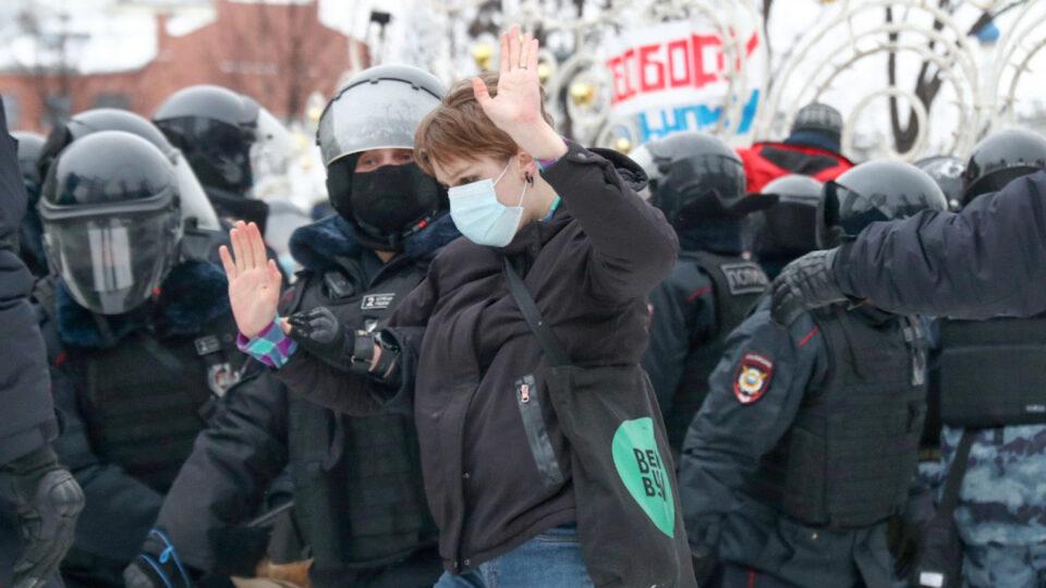 Околу 1.500 луѓе уапсени на протестите за Навални