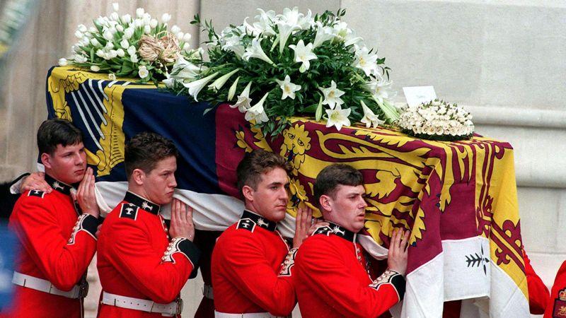 Ковчегот во кој ќе биде погребан е направен пред 30 години – исти има и кралицата, а тежи четири тона само поради една причина (ФОТО)