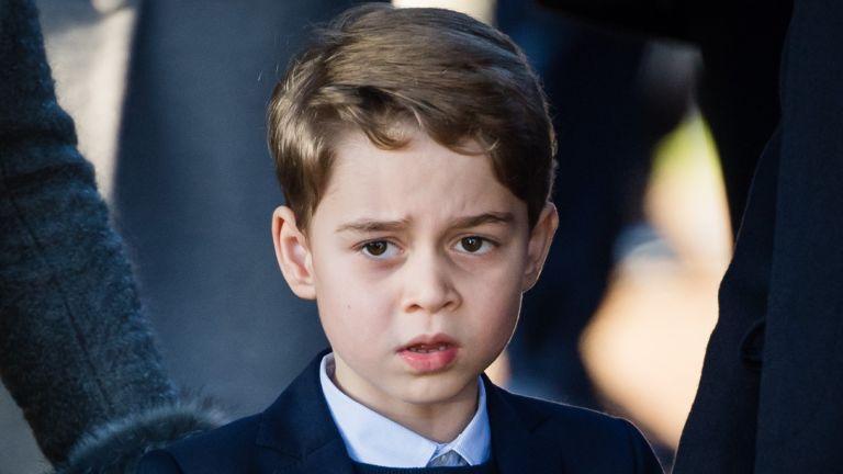 Емотивни зборови, уште поемотивна фотографија: Правнукот Џорџ се прости од својот прадедо – напливот на емоции е неизбежен