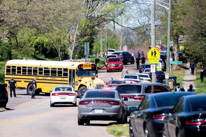 Едно лице убиено во пукање во училиште во Тенеси
